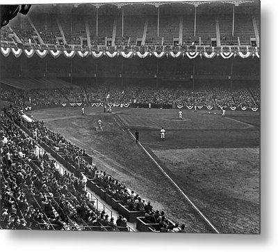 Yankee Stadium Game Metal Print by Underwood Archives