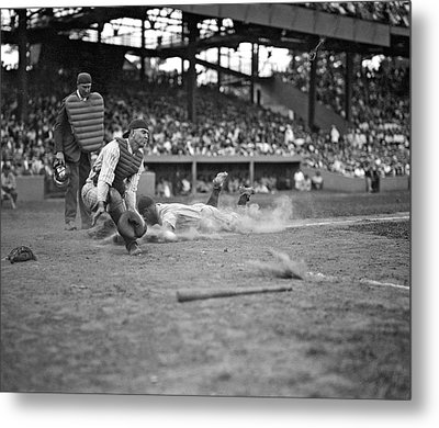 Yankees Lou Gehrig Scores Head First In The 4th Inning Metal Print by Underwood Archives