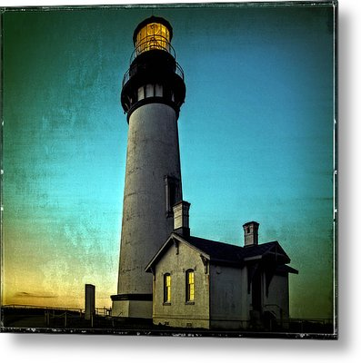 Yaquina Head Lighthouse At Sunset Metal Print
