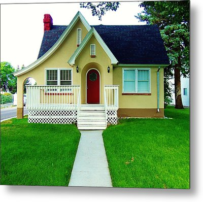 Ye4llow House 5 Metal Print by Larry Campbell