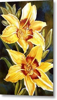 Yellow Daylilies Metal Print by Alfred Ng