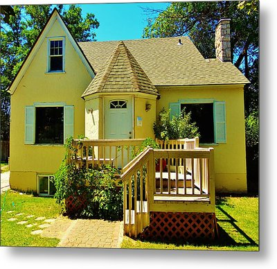 Yellow House 6 Metal Print by Larry Campbell