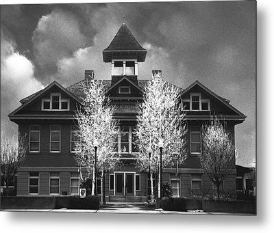 Metal Print featuring the photograph Yerington Grammar School by Jim Snyder