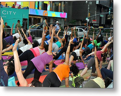 Yoga In Times Square Metal Print by Diane Lent
