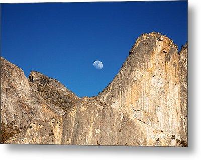 Yosemite Moonrise Metal Print by Jane Rix