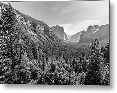 Yosemite Tunnel View Metal Print
