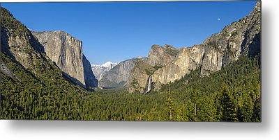 Metal Print featuring the photograph Yosemite Valley Moonrise by Steven Sparks