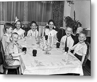 Young Children Laughing Metal Print by Underwood Archives
