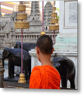 Young Monk With Chang Statue - Grand Palace In Bangkok Thailand - 01131 Metal Print