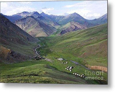 Yurts In The Tash Rabat Valley Of Kyrgyzstan  Metal Print by Robert Preston