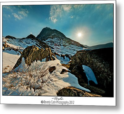 Spring Snows At Tryfan Metal Print by Beverly Cash