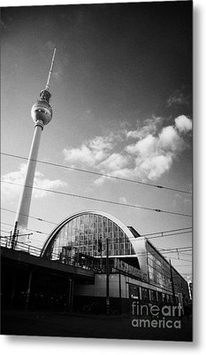 berliner fernsehturm Berlin TV tower symbol of east berlin and the Alexanderplatz railway station Metal Print