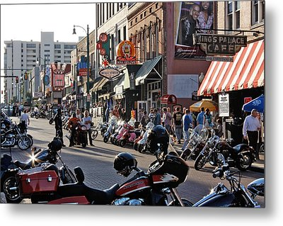 Bikes On Beale Metal Print by Dawn Davis