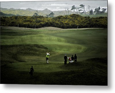 Golf At The Dunes Metal Print by Dale Stillman