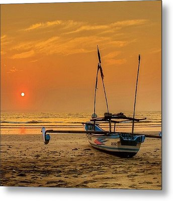 Good Morning #sunrise Metal Print by Tommy Tjahjono