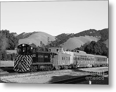 Historic Niles Trains In California . Southern Pacific Locomotive And Sante Fe Caboose.7d10819.bw Metal Print by Wingsdomain Art and Photography