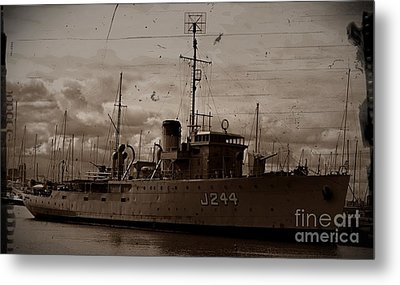 Metal Print featuring the photograph Hmas Castlemaine 2 by Blair Stuart