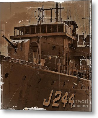 Metal Print featuring the photograph Hmas Castlemaine 4 by Blair Stuart