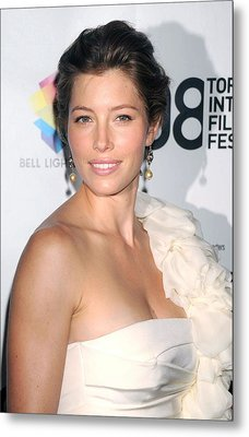 Jessica Biel Wearing A Giambattista Metal Print by Everett