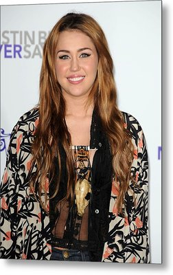 Miley Cyrus At Arrivals For Justin Metal Print by Everett