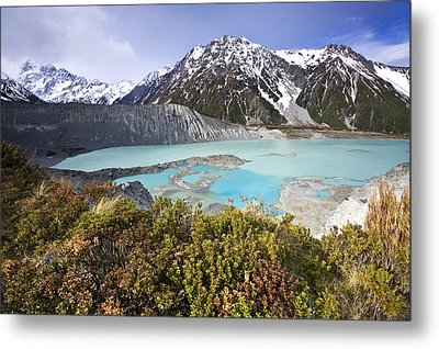Mount Cook National Park Metal Print by Ng Hock How