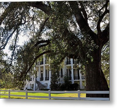 Metal Print featuring the photograph Nottaway Plantation by Helen Haw
