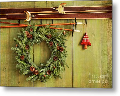 Old Pair Of Skis Hanging With Wreath Metal Print by Sandra Cunningham