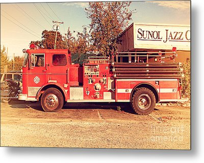 Old Whitney Seagrave Fire Engine At The Sunol Jazz Cafe In Sunol California . 7d10785 Metal Print by Wingsdomain Art and Photography