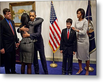 President And Michelle Obama Greet Metal Print by Everett