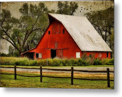 Red Barn Metal Print by Joan Bertucci