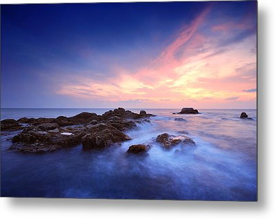 Seascape Metal Print by Teerapat Pattanasoponpong