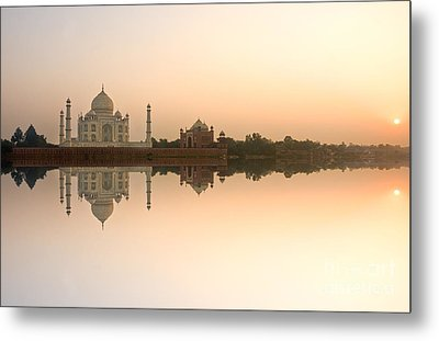 Metal Print featuring the photograph Taj Mahal  by Luciano Mortula