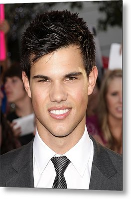 Taylor Lautner At Arrivals For The Metal Print by Everett