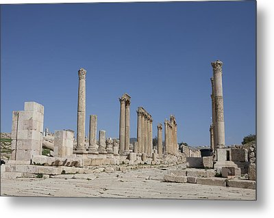 The Oval Plaza In The Ruins Metal Print by Taylor S. Kennedy