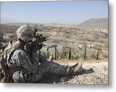 U.s Army Soldier Scans His Sector Metal Print by Stocktrek Images