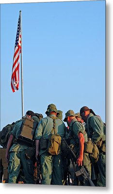 Veterans Remember Metal Print by Carolyn Marshall
