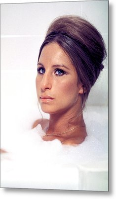 Whats Up, Doc, Barbra Streisand, 1972 Metal Print by Everett