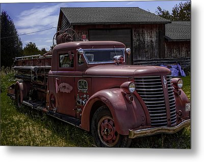 Metal Print featuring the photograph 1939 American Lafrance Foamite by Tom Gort