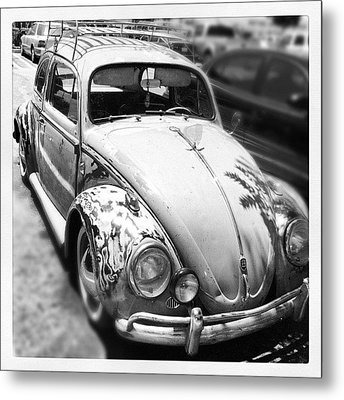 1961 Volkswagon Beetle Metal Print by Gwyn Newcombe