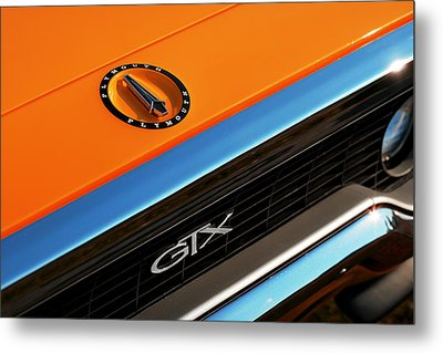 1971 Plymouth Gtx Metal Print by Gordon Dean II