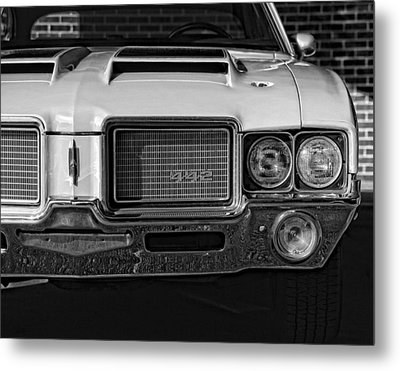 1972 Olds 442 Black And White  Metal Print by Gordon Dean II