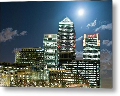 Canary Wharf At Night Metal Print by John Harper