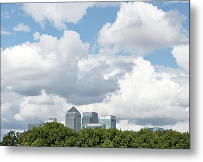 Canary Wharf Metal Print by Richard Newstead