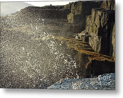Crashing Waves Metal Print