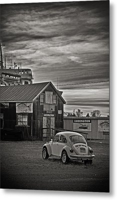 Metal Print featuring the photograph Lonely Vw by Randall  Cogle