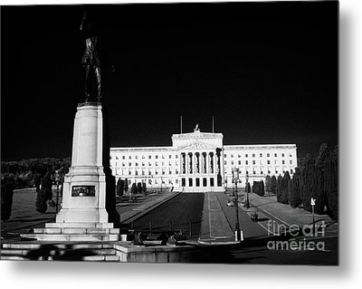 Lord Carson Statue At The Northern Ireland Parliament Buildings Stormont Belfast Northern Ireland Uk Metal Print by Joe Fox