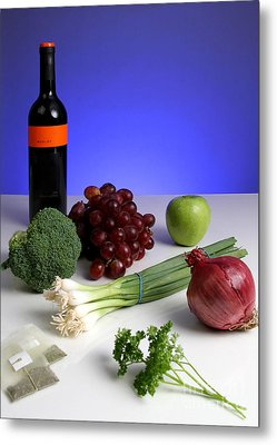 Foods Rich In Quercetin Metal Print by Photo Researchers, Inc.