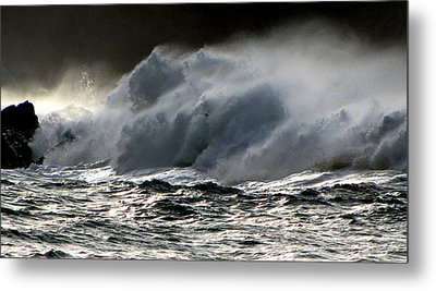 Metal Print featuring the photograph Waves by Barbara Walsh