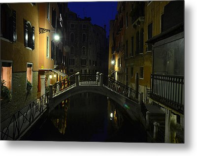 Morning In Venice Metal Print by Barbara Walsh
