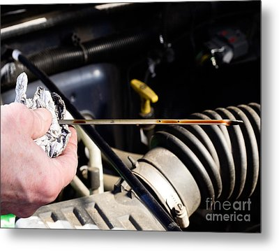 Oil Check Metal Print by Photo Researchers